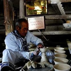 景德镇,一只青花瓷碗的古法制作过程