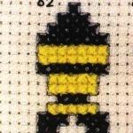 黄白相间小鱼的十字绣绣法