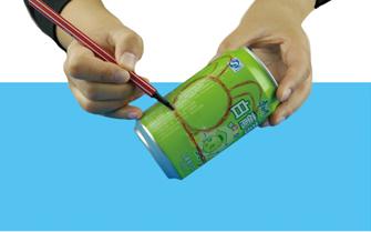 易拉罐变废为宝DIY兔子不倒翁的做法 -  www.shouyihuo.com