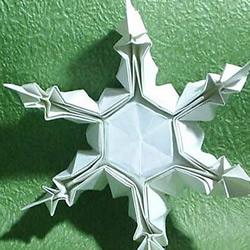 立体雪花折纸教程 折雪花的方法