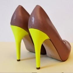 DIY改造穿旧的高跟鞋 旧高跟鞋改造教程