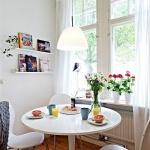 房间布置之用花卉盆栽装饰窗台