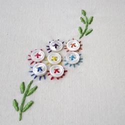 纽扣和刺绣结合DIY的小清新花朵
