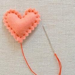 毛毡布制作的心形小玩意