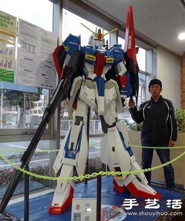 日本66歲爺爺耗時8月手工打造高達模型