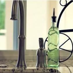 玻璃瓶变废为宝DIY 印上精致的英文文字