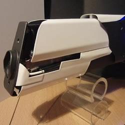 技术宅DIY制作的超强激光枪