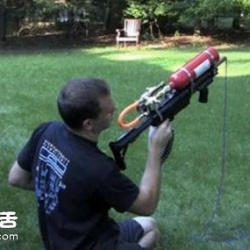 利用灭火器喷射动力DIY的钩子枪