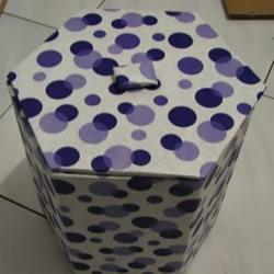 废旧纸箱废物利用 手工制作垃圾桶图解