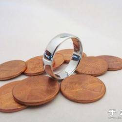 看手工牛人用硬币DIY制作戒指