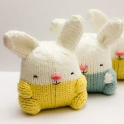 棒针织的可爱小兔玩偶
