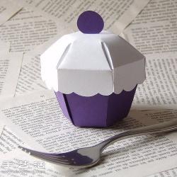 可用作收纳盒的手工甜点模型