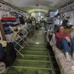 美退休工程师购买退役波音飞机改造住宅