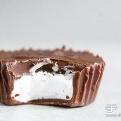 自制内藏棉花糖的趣味巧克力甜品