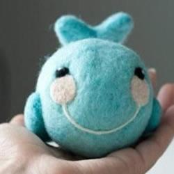 羊毛毡小鲸鱼玩偶DIY手工制作图解教程