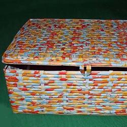 废弃纸箱DIY手工制作收纳筐的教程