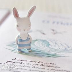 软陶粘土制作的可爱兔子手工艺品