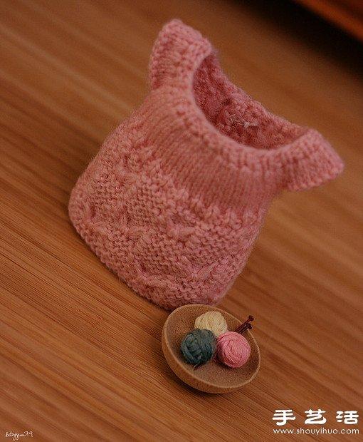 毛線織的迷你裙子手工藝品