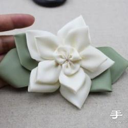 华丽的花朵发卡手工制作教程