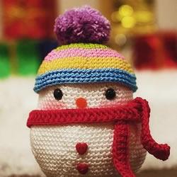 毛线钩针DIY的雪人玩偶