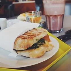 来!去德国柏林的微软咖啡店吃下午茶!