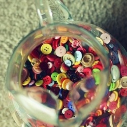 一玻璃瓶的纽扣也这么有艺术气息!