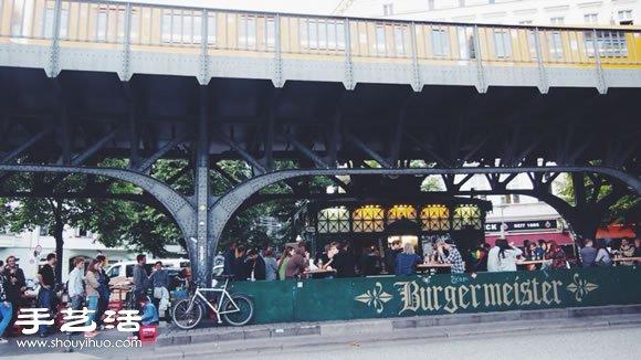 霸气的柏林桥底汉堡店 BURGERMEISTER