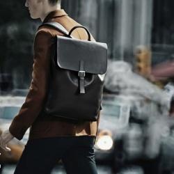 Louis Vuitton有型的男士双肩包系列