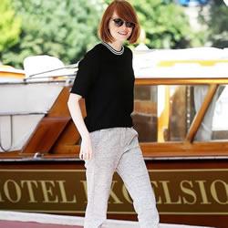 跟好莱坞女星学习秋天穿搭 穿出时髦亮丽