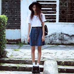 越南女生演绎暗黑歌德风时尚穿衣搭配