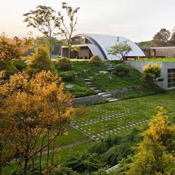 复古未来主义半圆弧状别墅住宅装修设计
