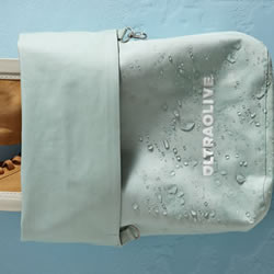 简约又极具质感的防水包 ULTRAOLIVE