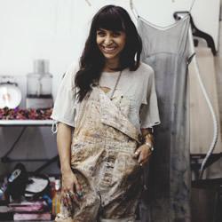 手染织品设计师 CARA MARIE PIAZZA