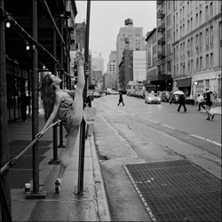 镜头下的足尖艺术 舞台外的曼妙芭蕾舞姿