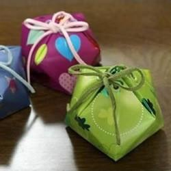 酸奶盒废物利用手工制作五角形糖果包装