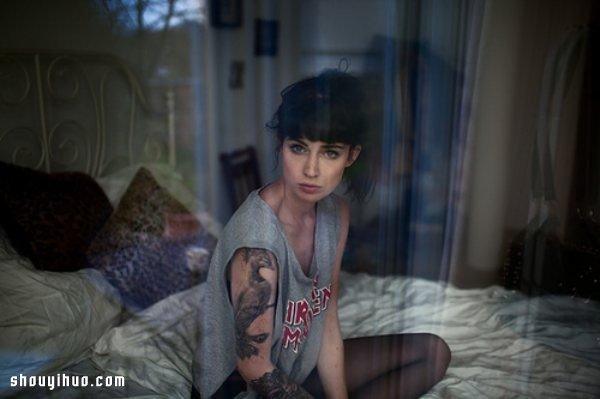 拍的照片,一眼就看出女的出轨_隔着玻璃窗的女孩倒影拍出梦幻美感照片_手艺活网