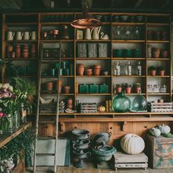 英国小镇新古典主义质朴复古花艺店布置