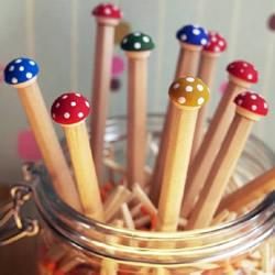 自制治愈系小蘑菇铅笔创意手工制作图解教程