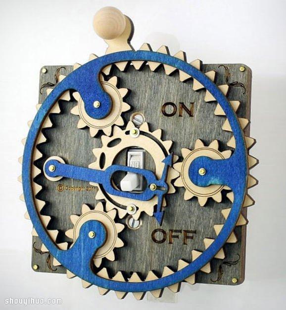 機械式齒輪開關面板 讓開燈變得複雜有趣!