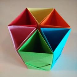六孔笔筒的折法 折纸制作多彩笔筒图解教