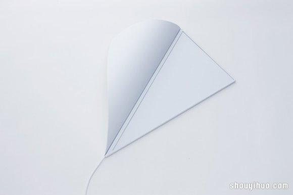 YOY–WORKS 設計的絕妙超薄牆角燈