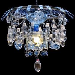 废塑料瓶取代玻璃 回收再利用DIY水晶吊灯