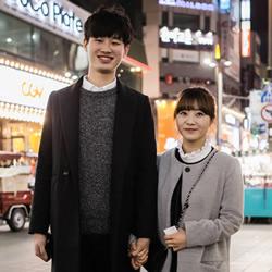 韩国情侣穿搭街拍 营造专属于情人间的默契