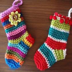 毛线钩针编织可爱儿童保暖袜子的图解教程