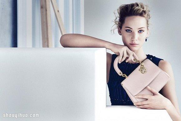 Jennifer Lawrence 演绎 Be Dior 手袋广告 -  www.shouyihuo.com