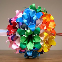 美轮美奂的手工折纸花球作品欣赏(六)