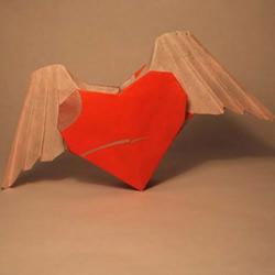 带翅膀的爱心怎么折 带翅膀爱心的折法图