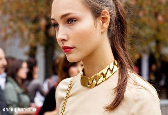 穿搭達人搭配黃金鎖鏈配飾的最佳技巧