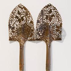 粗犷工业风也能很古典美 锈蚀金属雕花作品