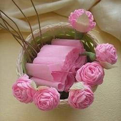 皱纹纸玫瑰花折法图解 手工折纸粉玫瑰教
